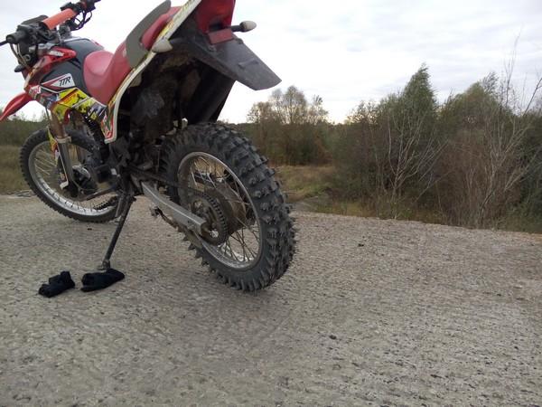 кроссовая русская на мотоцикле вид